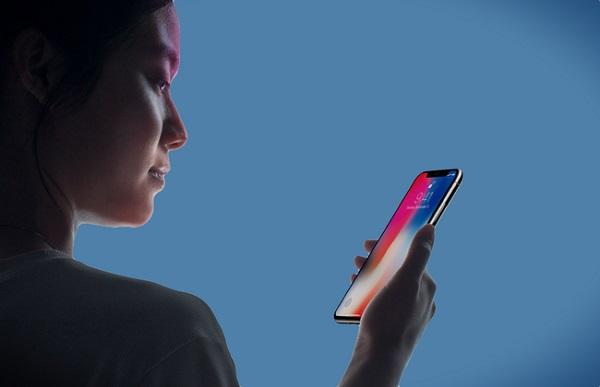 Dùng Face ID hay quét mống mắt trên điện thoại có gây hại cho mắt không?